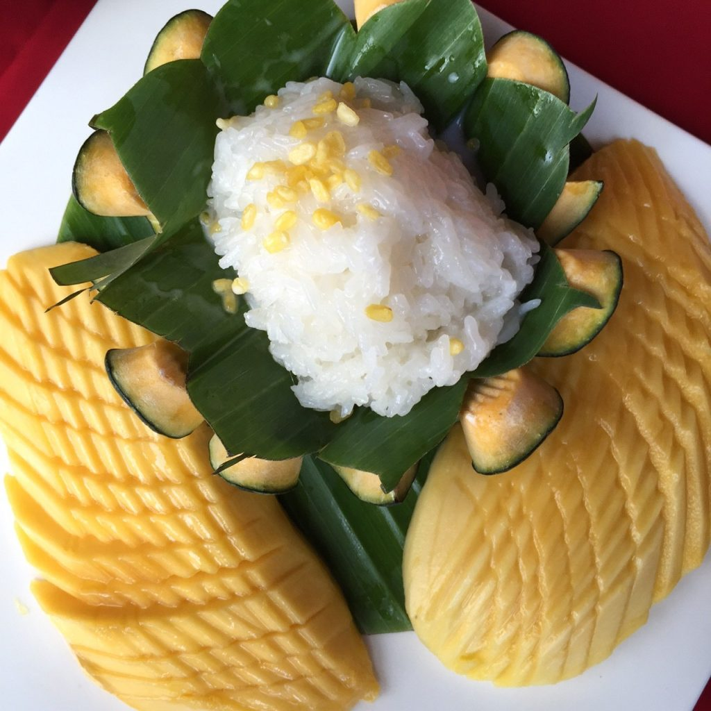I love mango sticky rice!